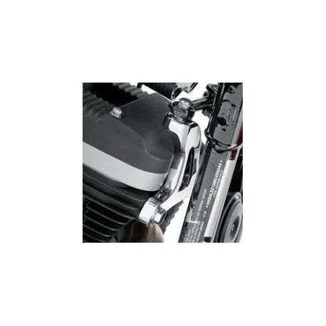 Soporte delantero montado en el motor